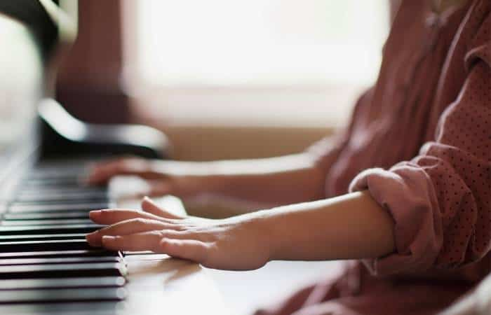Playing the piano - 17-01-21