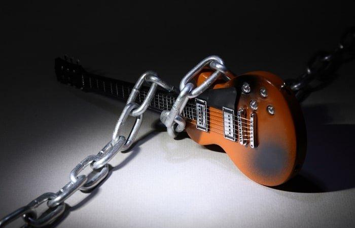 Forbidden guitar riffs