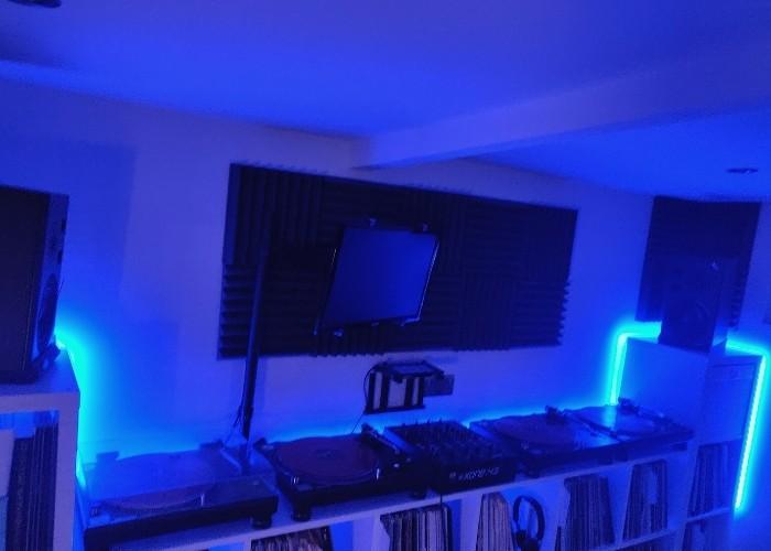 The Best Home Recording Studio Lighting (In 2021)