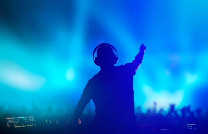 How Much Do DJs Make? (Top 20 Highest Earning Acts)