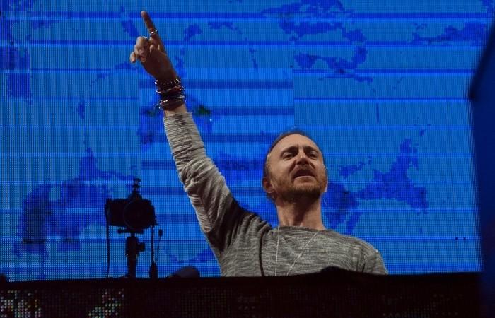 David Guetta Djing Live