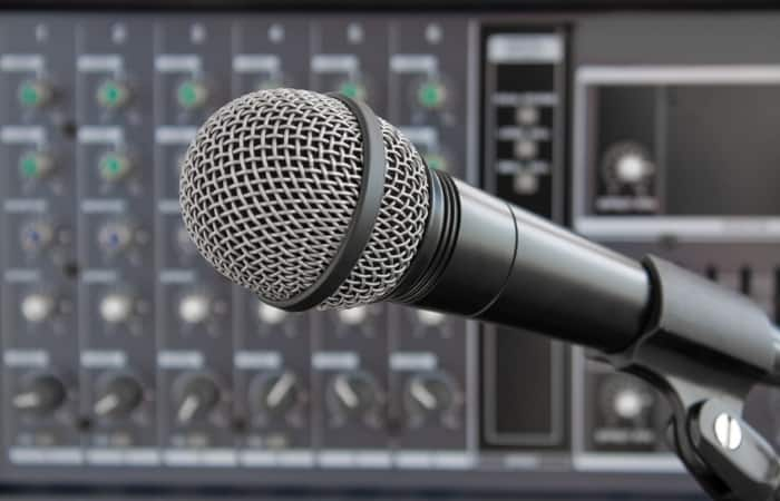 How To Sample Vocals From A Song (Easy Guide)