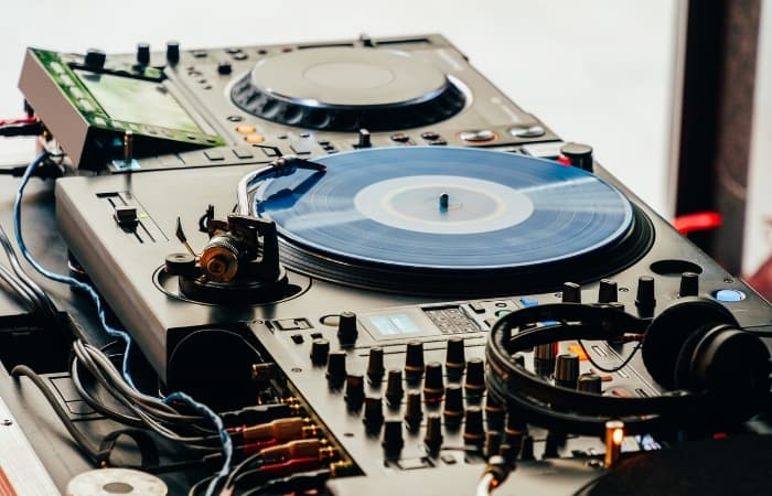 What DJ Equipment Do You Need? The basic setup will consist of two decks (turntables/CDJs)