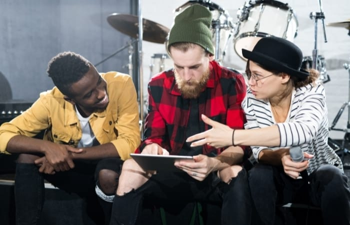 Music Theory Can Improve Your Communication And Interaction With Other Musicians
