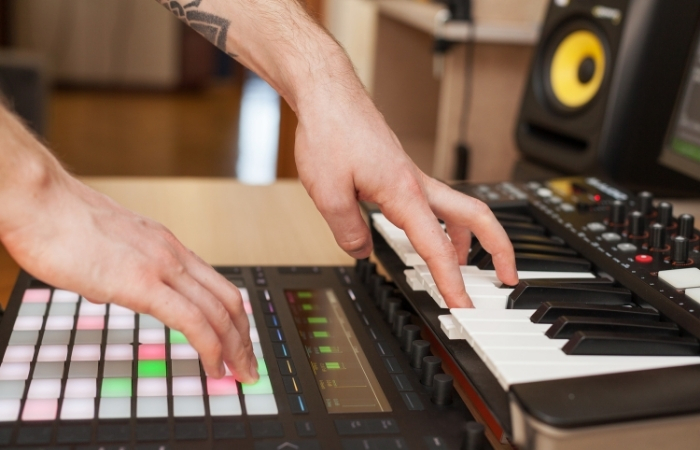 Auditioning samples on a MIDI Controller